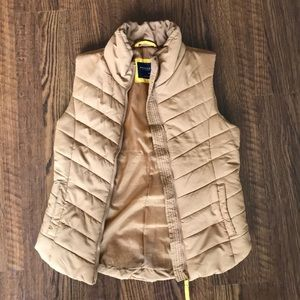 Aeropostale Tan Fall/Winter Vest with pockets!